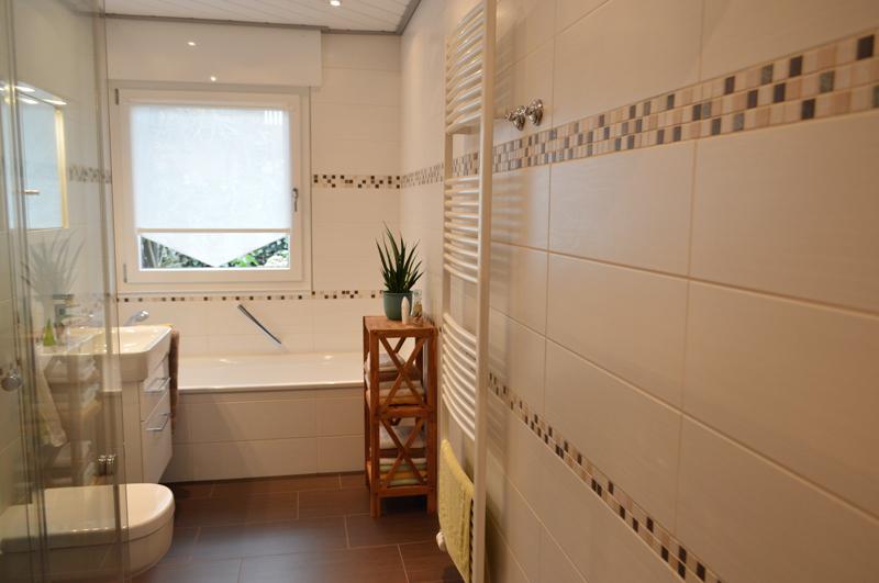 Awesome Badezimmer Mosaik Bordüre Ideas - Erstaunliche Ideen ...